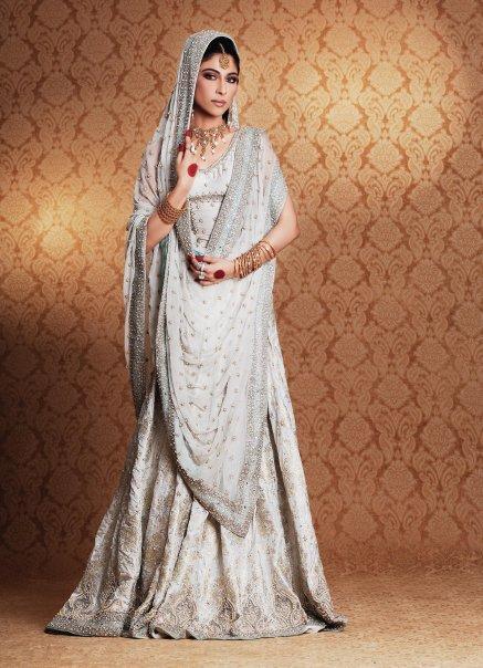Ladies Fashion Clothes – Elegent White Bridal Dress